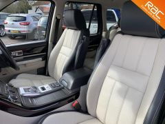 LAND ROVER RANGE ROVER SPORT SDV6 AUTOBIOGRAPHY SPORT - 739 - 18