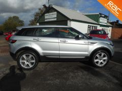 LAND ROVER RANGE ROVER EVOQUE SD4 PURE 4WD - FULL LAND ROVER HISTORY - 145 - 5