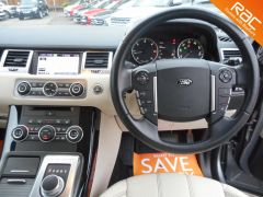 LAND ROVER RANGE ROVER SPORT SDV6 HSE -FULL LAND ROVER SERVICE HISTORY - 172 - 10